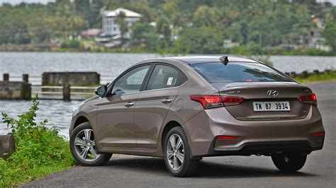 hyundai verna  sx diesel price mileage reviews