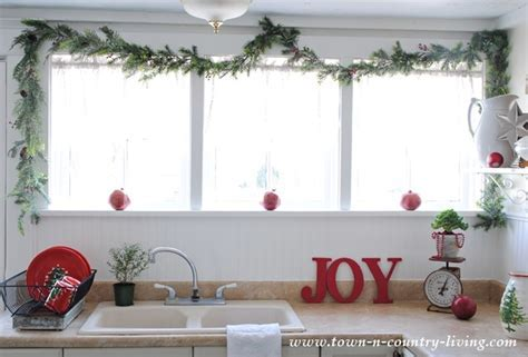 My Christmas Home Tour ~ 2014   Town & Country Living