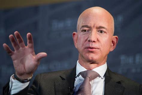 World's Richest Man Jeff Bezos Steps Down As Amazon Boss ...