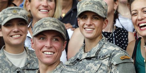white house obama supports registering women  military