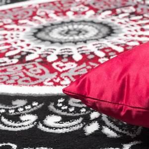 Teppich Rot Schwarz : teppich gemustert mit glitzergarn rot schwarz wei orientteppiche ~ Eleganceandgraceweddings.com Haus und Dekorationen