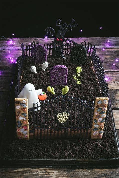ghost   graveyard halloween cake  road  honey