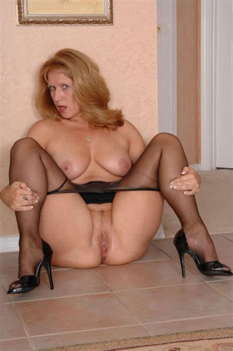 Sultry Milf In The Come And Get Me Pose Milf Sorted By Position Luscious