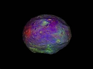 Asteroid Vesta's complex surface Video from a NASA spacecraft