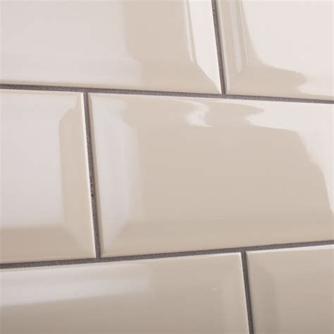 metro brick shaped wall tile with a gloss finish