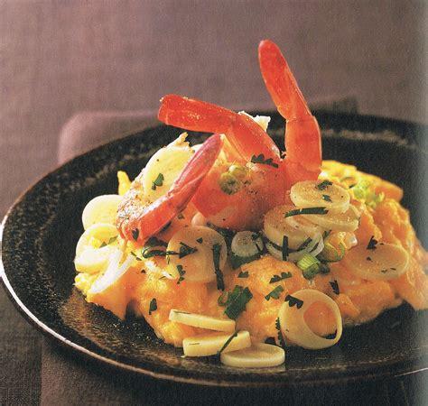 recettes de cuisine en vid駮s coeurs de palmier et crevettes en brouillade pour 4 personnes recettes à table