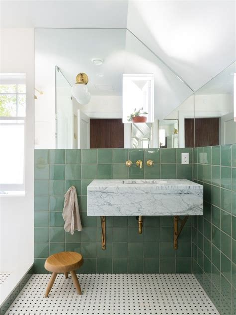 feel fresher simply  green accent   bathrooms