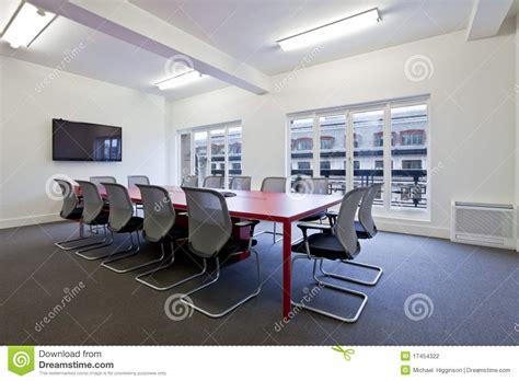 salle de bureau salle de réunion moderne de bureau photographie stock