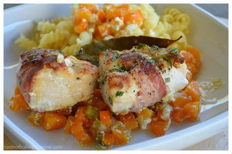cuisine filet de poulet la recette du jour filets de poulet lard fumé et feuilles de laurier