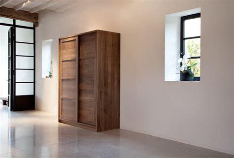 bureau contemporain bois massif acheter armoire kd en teck avec portes coulissantes