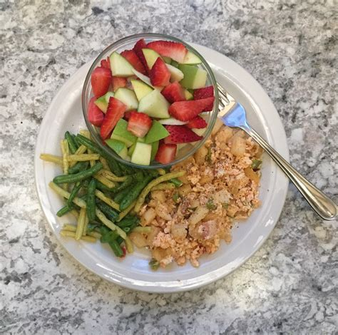 Should i eat low calorie and high protein foods to lose weight and build muscle? Weird combination of foods, but it was low calorie, high volume, and delicious! : 1200isplenty