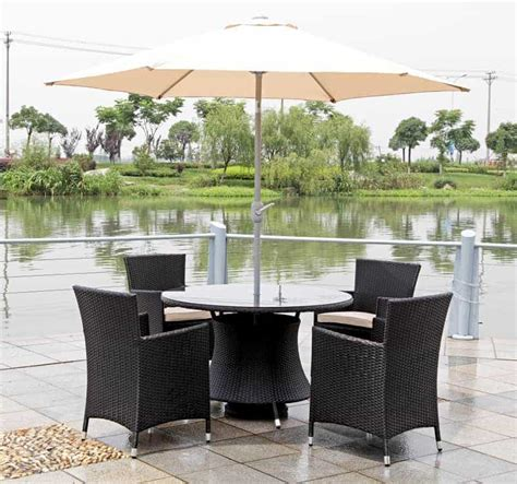 4 seater range incl umbrella and base