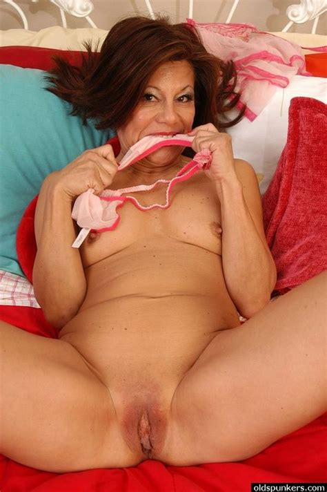 Mature Latina Juicy Pussy 1 For Older
