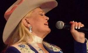 RIP Lynn Anderson: Award-Winning Country Music Singer Dies ...