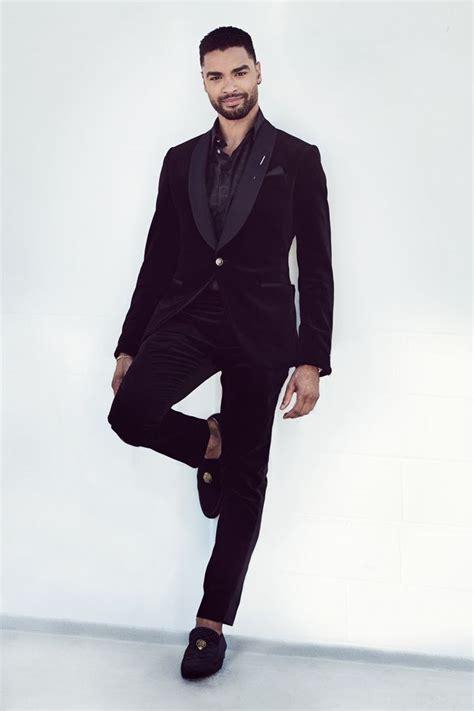Regé-Jean Page Wears Louis Vuitton Tux 2021 SAG Awards