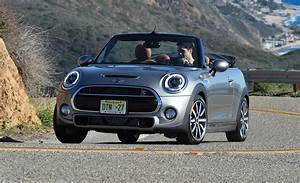 Mini Cooper S : 2017 mini cooper hardtop convertible and clubman priced news car and driver car and ~ Medecine-chirurgie-esthetiques.com Avis de Voitures