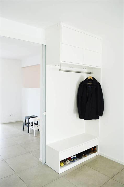 Garderobe baum holz design garderobe wandgarderobe holz. Umgestaltung Wohnraum von HONEYandSPICE innenarchitektur ...