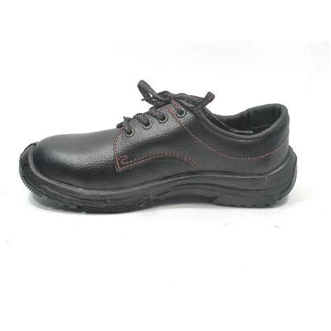 chaussure securite cuisine pas cher chaussure sécurité pas cher homme veloce à 23 90 ht en cuir lisashoes