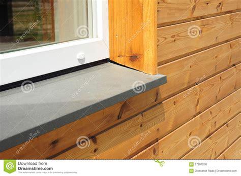 davanzale finestra primo piano sul singolo dettaglio di plastica