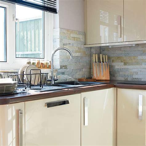 gloss kitchen tile ideas cream hi gloss kitchen kitchen decorating housetohome co uk