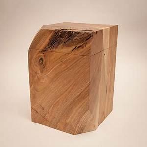 Lichtobjekte Aus Holz : eine urne aus walnu holz einzelst cke von christian masche ~ Sanjose-hotels-ca.com Haus und Dekorationen