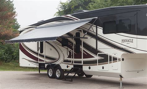 Pinnacle Fifth Wheels