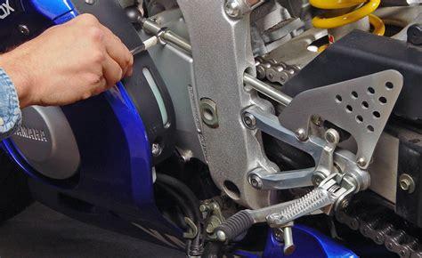 adjust  gear shift lever
