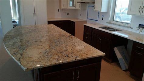 Hawaii Granite Island with Tigris Sand Quartz perimeter