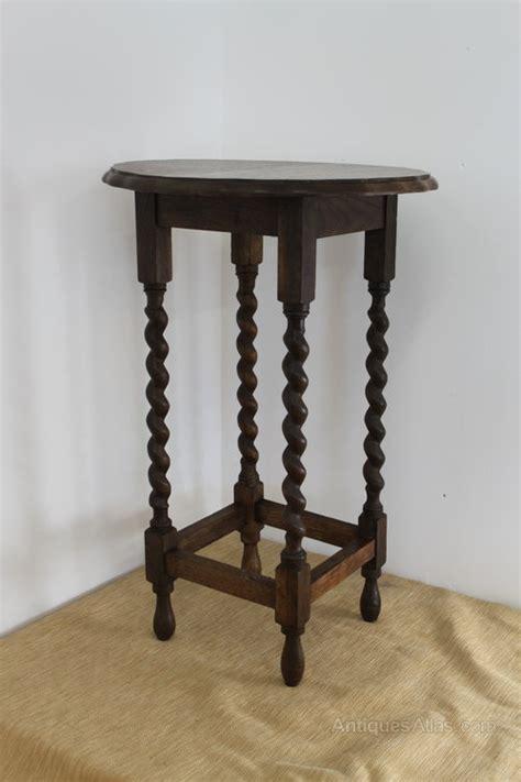 pretty oak side table with barley twist legs