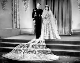 elizabeth wedding dress pictures royal wedding dresses and what they meant