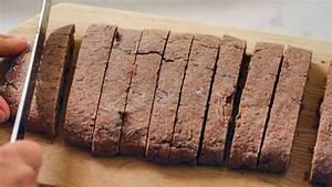 Tiffani Thiessen shares her chocolate biscotti recipe in ...