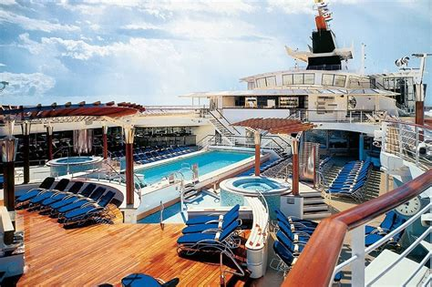 Editor's Choice 7 Best Cruise Ship Parties At Sea