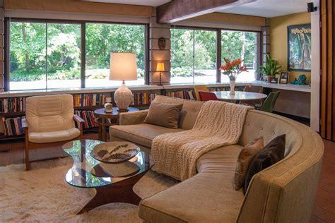 Breathtaking Curved Sofa decorating ideas