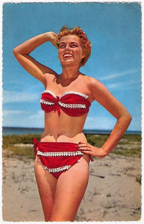 biquinis dos anos    mostram   moda praia era ousada nessa epoca  fashion trends