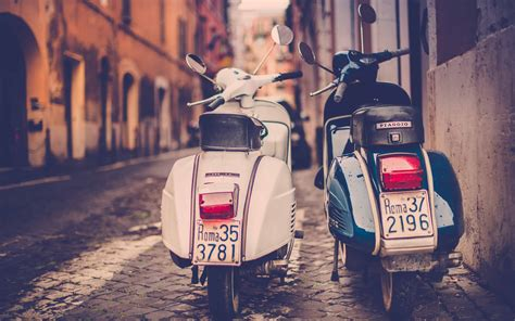 Vespa S 4k Wallpapers by Rome On Scooter Enjoy Driving A Vespa Roma