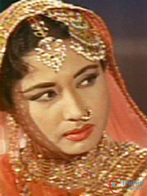 latest jewellery worn  famous people meena