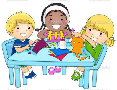 Resultado De Imagen Para Niños Haciendo Manualidades
