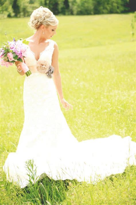 rustic chic wedding dress a vintage rustic style real wedding rustic wedding chic