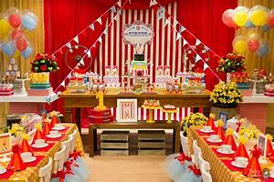 Classic Red & White Circus Themed Birthday Party