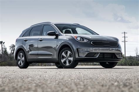 kia niro hybrid  test review  quicker