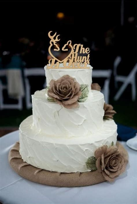 simple cake decorations for wedding cakes best 25 country wedding cakes ideas on