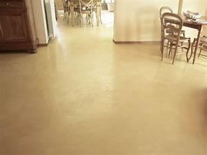 appliquer du beton cire sur un carrelage betoncire beton With béton ciré sol sur carrelage