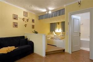 Wohn Schlafzimmer In Einem Raum : chalet grizzly ellmau ~ Markanthonyermac.com Haus und Dekorationen
