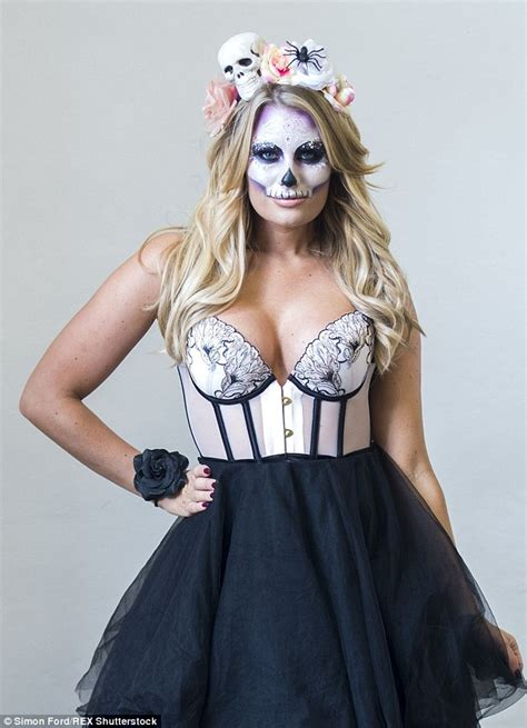 Cast Of Halloween 2 by Towie S Billie Faiers Joins Ferne Mccann And Jessica