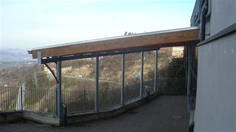 disegno tettoia in legno pensilina in ferro legno lamellare e copertura in