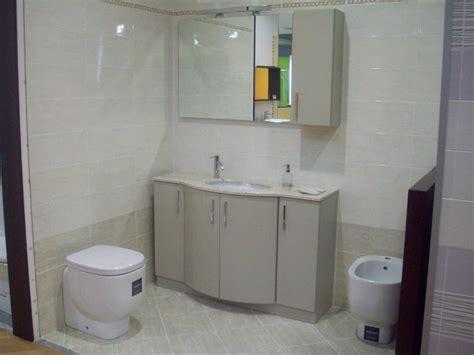 piastrelle bagno outlet piastrelle bagno outlet mobile bagno in legno di castagno