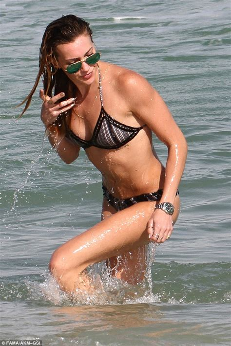 katie cassidy actress katie cassidy turns heads in bikini as she hits the beach