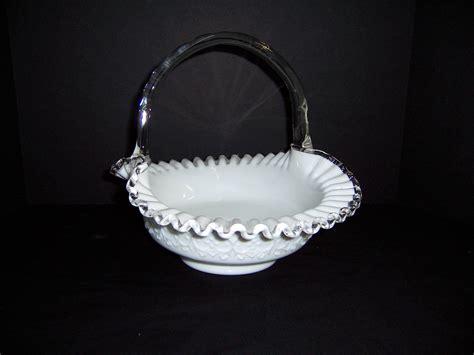 triple  resale fenton spanish lace silver crest milk