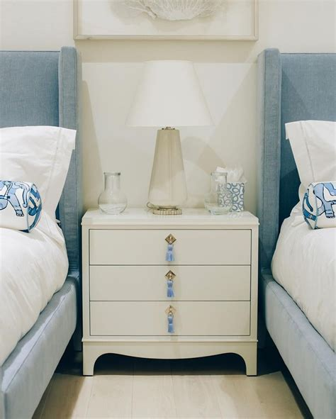 oomph hits Palm Beach in style with our Easton Nightstand