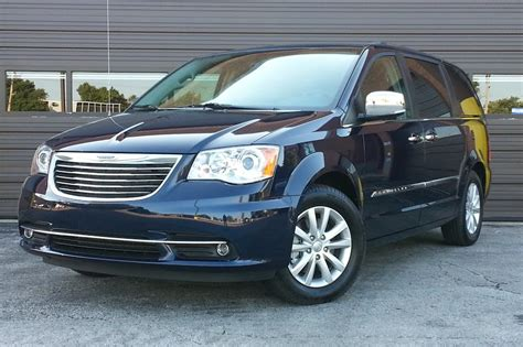 Test Drive: 2015 Chrysler Town & Country Platinum | The ...